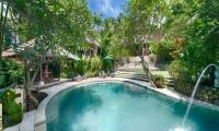 3 Bedrooms Villa Bougainvillea in Canggu