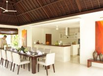 Villa Asante, Dining and Kitchen