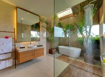 Villa Kinara, Guest Bathroom