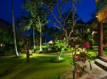 Villa Taman Ahimsa, Garden at night