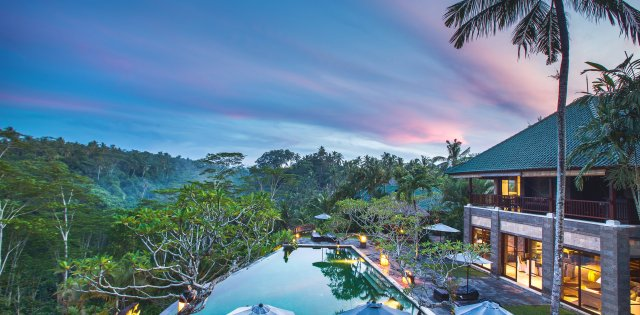 Villa Bukit Naga, Pool at sunset