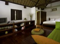 Villa Alamanda, Guest Bedroom & TV Room