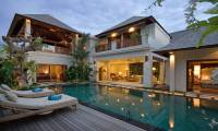 4 Bedrooms Villa Aliya in Seminyak