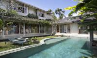 3 Bedrooms Villa Sky Li in Seminyak