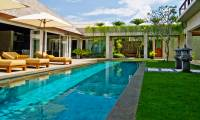 5 Bedrooms Villa Tenang in Seminyak