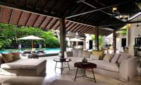 4 Bedrooms Villa De Suma in Seminyak